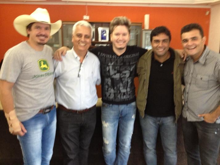 Da esquerda para direita: Guto, Edson, Nando, Thales e Thiago.